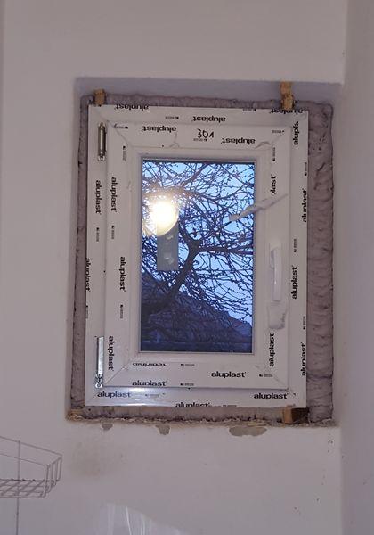 Fürdőszoba ablak, műanyag ablak - www.bejaratiajto.eu