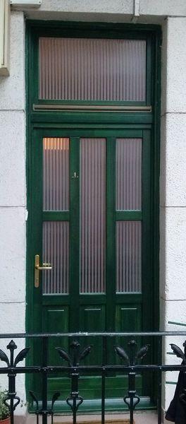 Fenyő fa bejárati ajtó