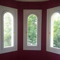 14.kerületi íves fa ablak