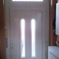 Angolpaneles bejárati ajtó