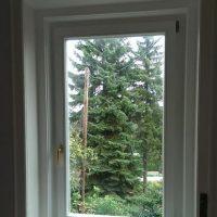 Bukó nyíló fa ablak