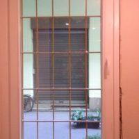 Bukó nyíló egyszárnyú fa ablak