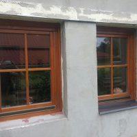 Fa ablak családi házban