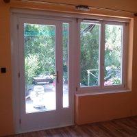 Fa teraszajtó ablakkal
